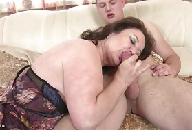 Gorgeous milf porn videos mature mom and amateur wife huge cock